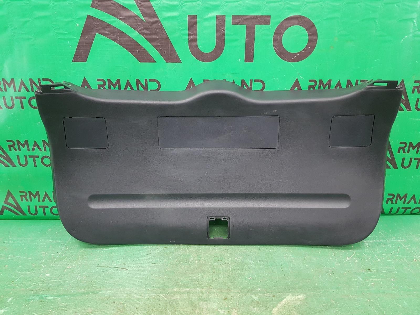 Обшивка двери багажника Toyota Rav4 CA40 2012 (б/у)