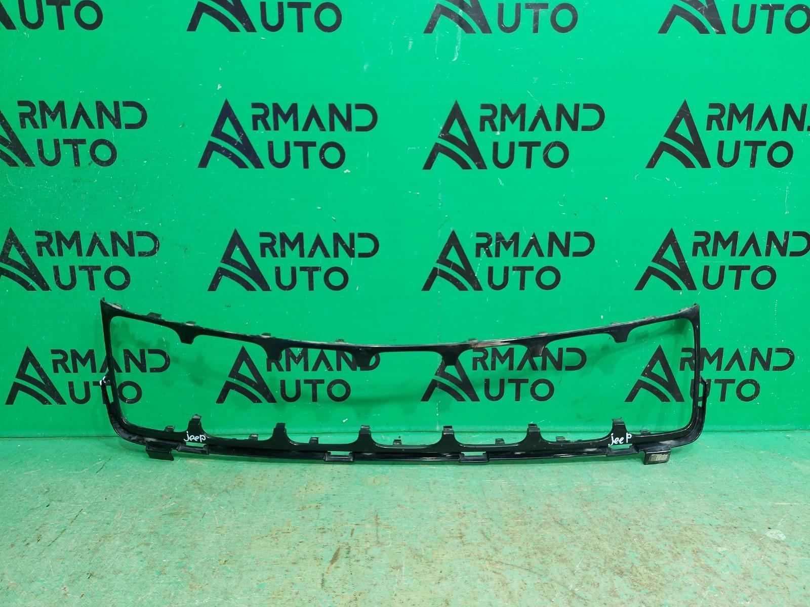 Накладка решетки радиатора Jeep Grand Cherokee WK2 РЕСТАЙЛИНГ 2013 (б/у)