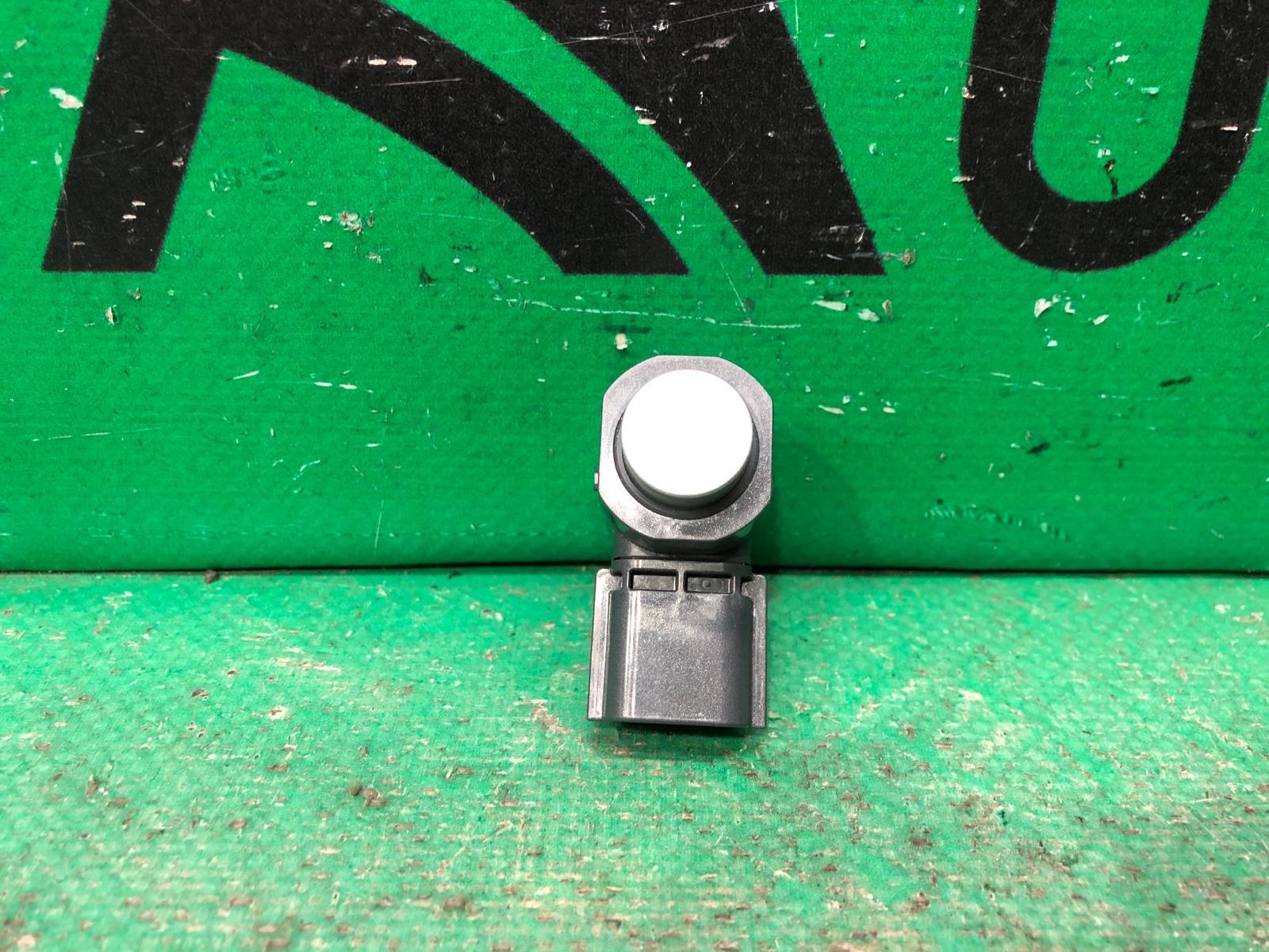 Датчик парктроника Infiniti Qx80 Qx56 Z62 2010 передний (б/у)