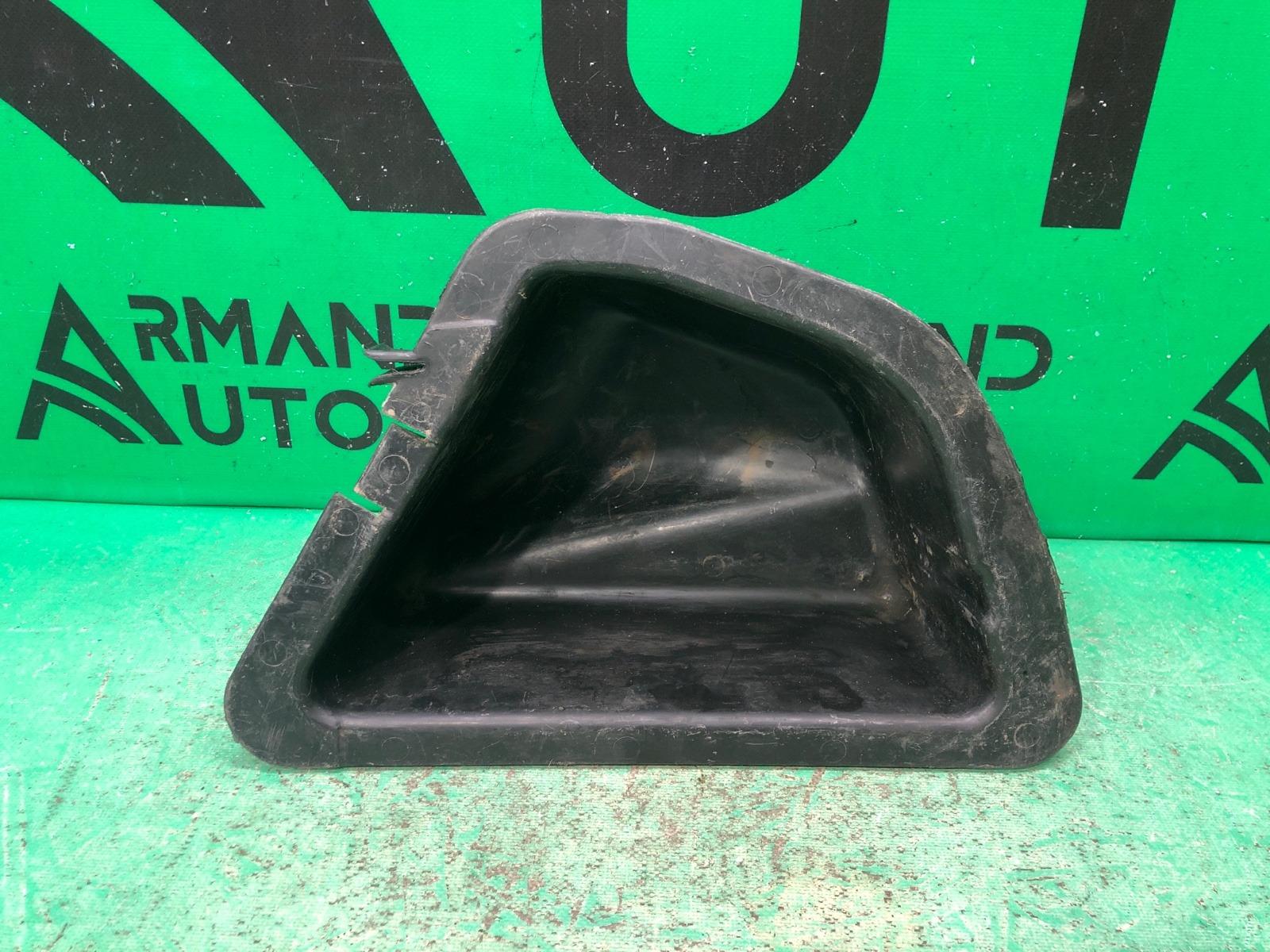 Контейнер в багажник Lada 2112 1998 правый (б/у)