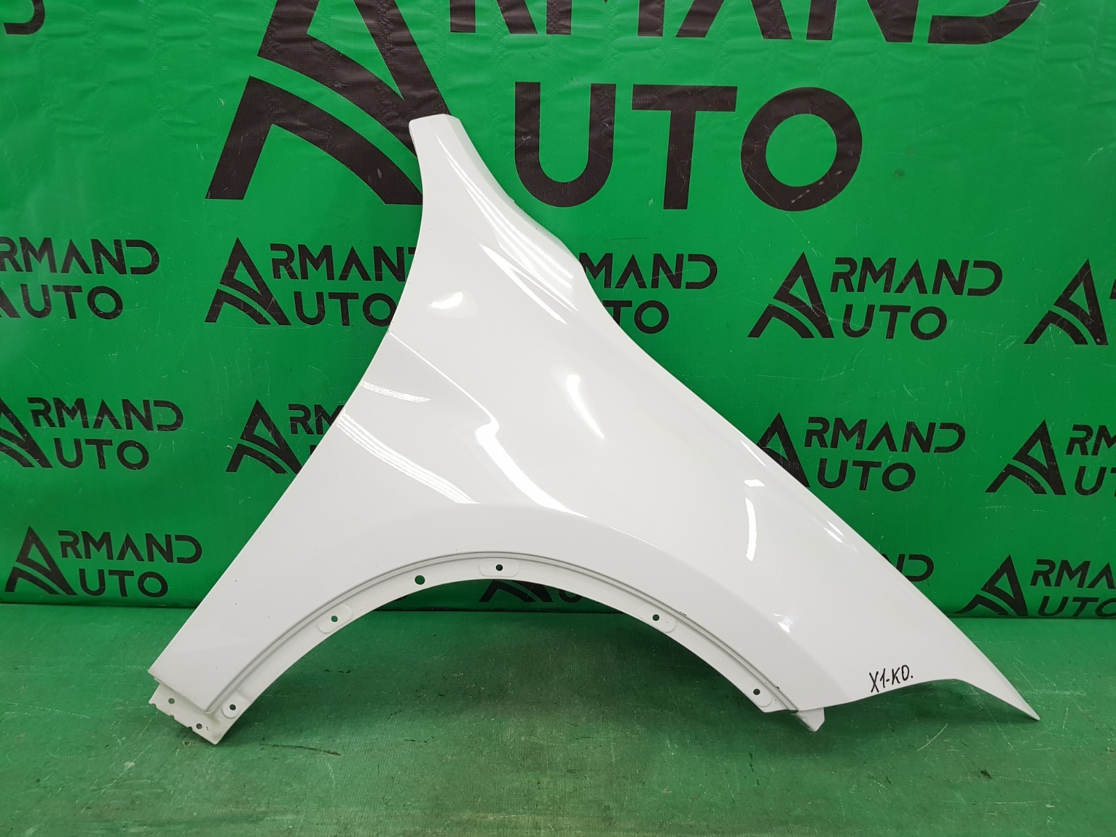 Крыло Bmw X1 F48 2015 переднее правое (б/у)