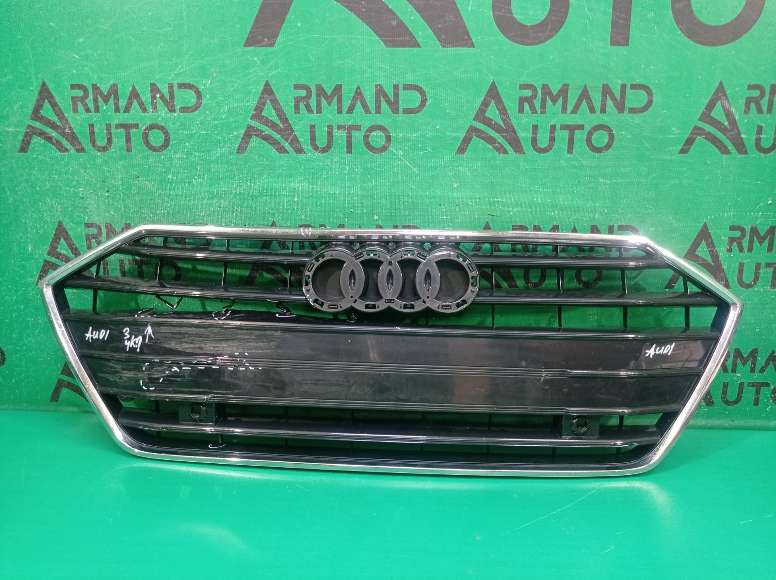 Решетка радиатора Audi A7 2 4K8 2018 (б/у)