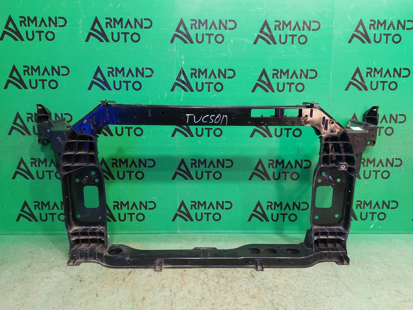 Панель передняя ( телевизор ) Hyundai Tucson 3 2015 (б/у)