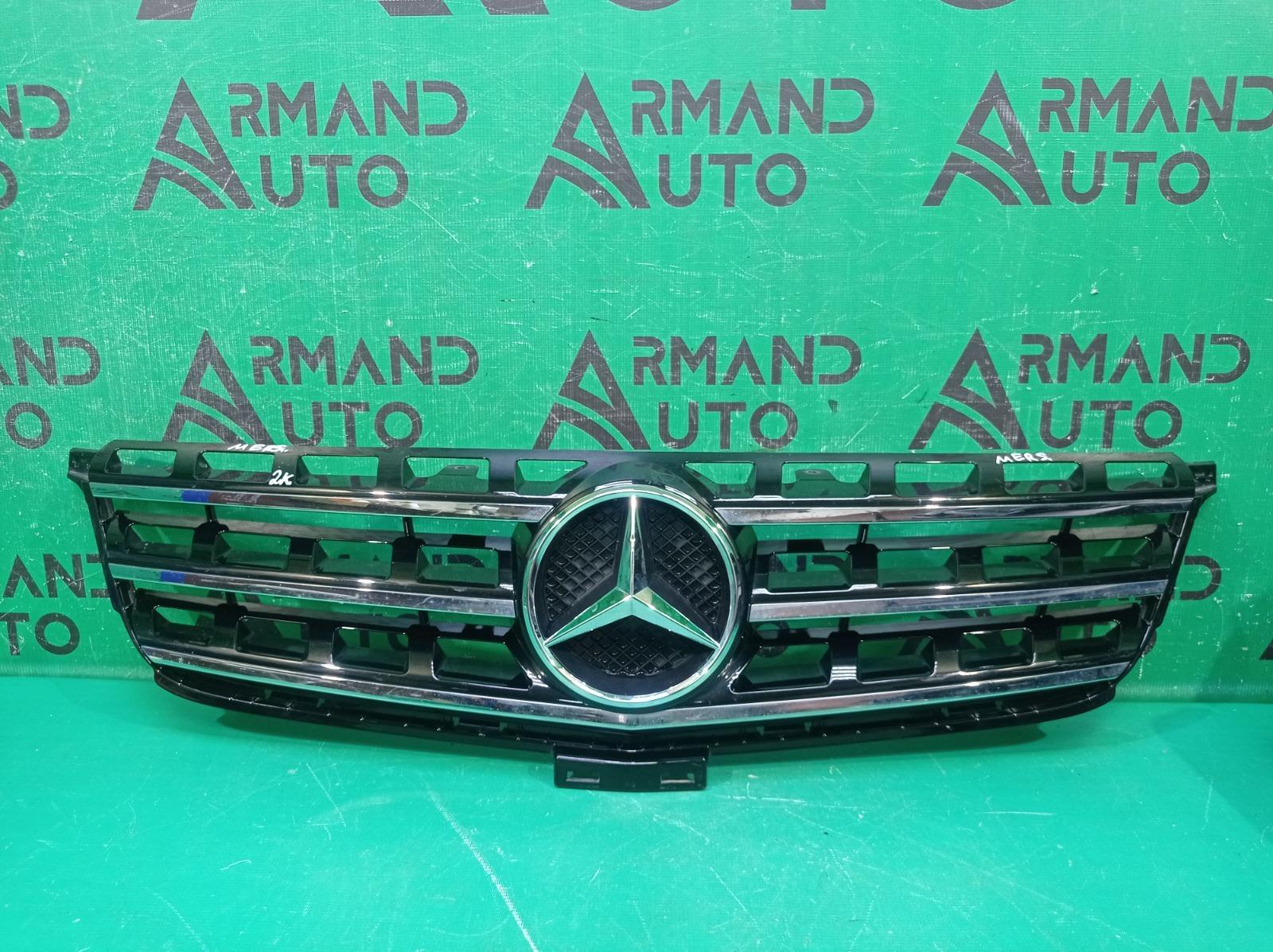 Решетка радиатора Mercedes M Ml Gle-Class W166 2011 (б/у)
