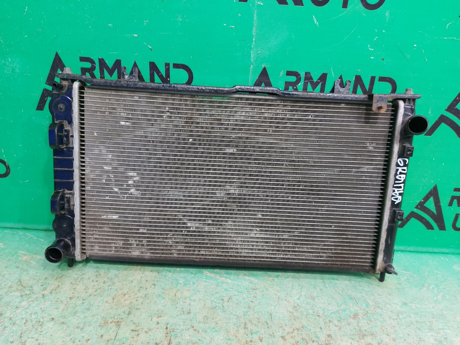 Радиатор охлаждения Lada Granta 1 2011 (б/у)