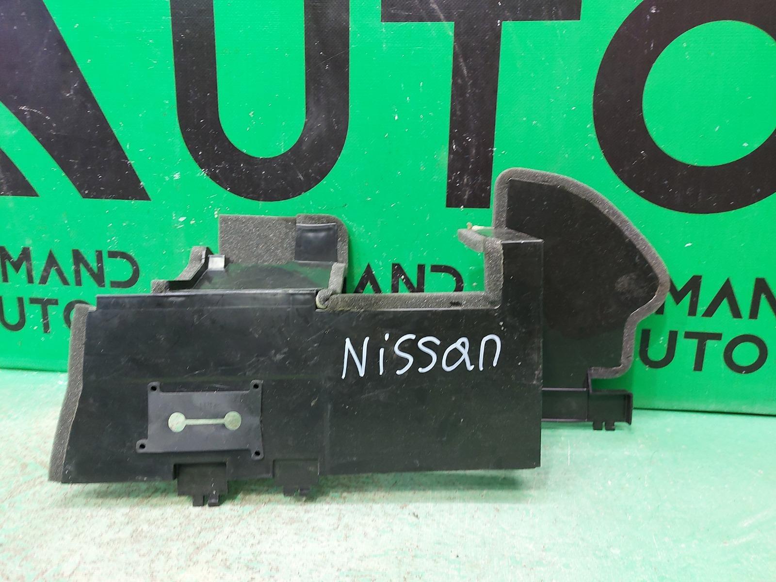 Дефлектор радиатора Infiniti Ex/qx50 J50 2007 правый (б/у)