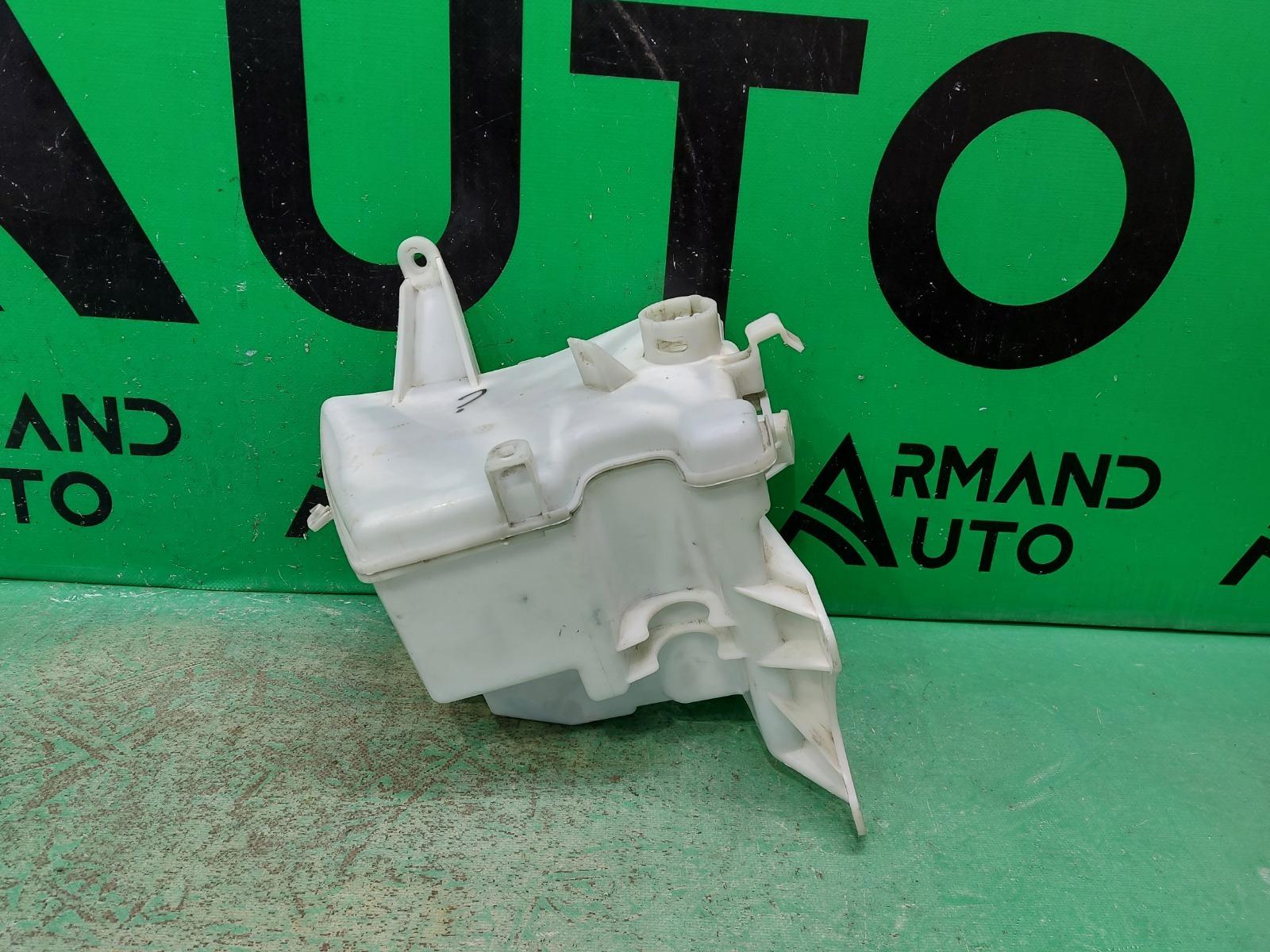 Бачок омывателя Toyota Auris 1 2006 (б/у)
