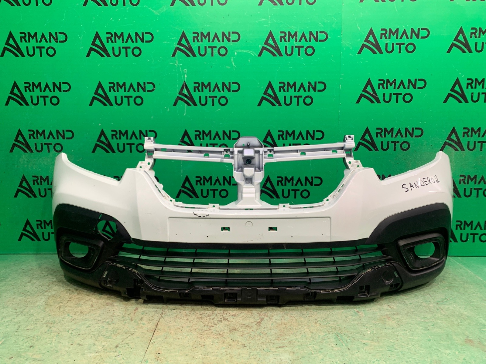 Бампер Renault Sandero Stepway 2 РЕСТАЙЛИНГ 2018 передний (б/у)