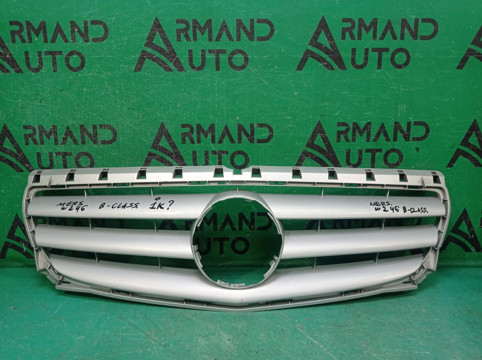 Решетка радиатора Mercedes B-Class W246 2011 (б/у)