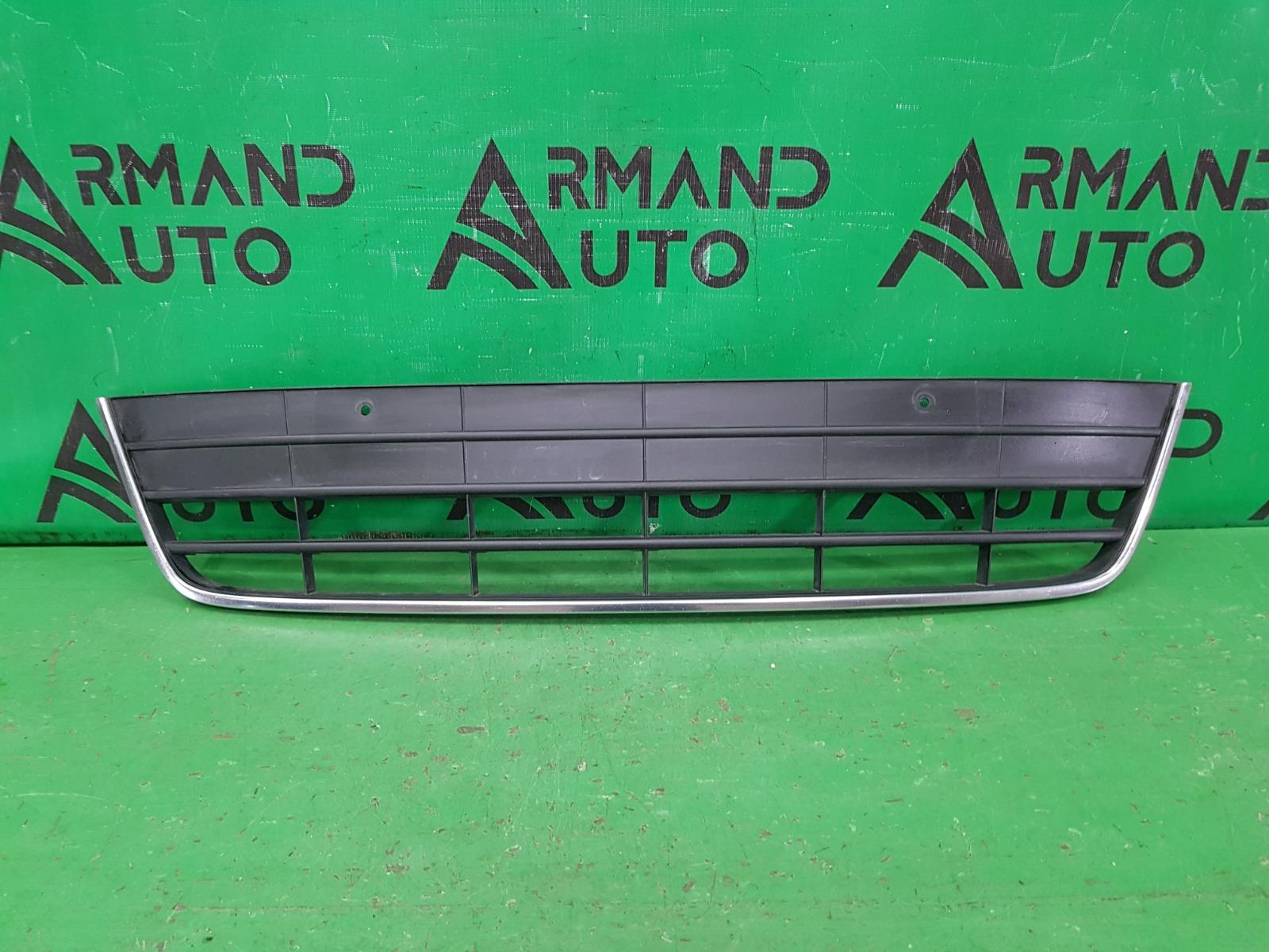 Решетка бампера Volkswagen Tiguan 1 РЕСТАЙЛИНГ 2011 передняя нижняя (б/у)