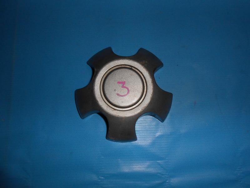 Колпак ступицы колеса Toyota Rav4 ACA21W (б/у)
