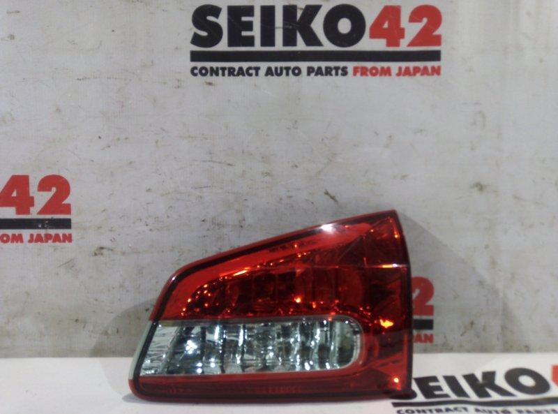 Вставка багажника Nissan Wingroad Y12 задняя правая (б/у)