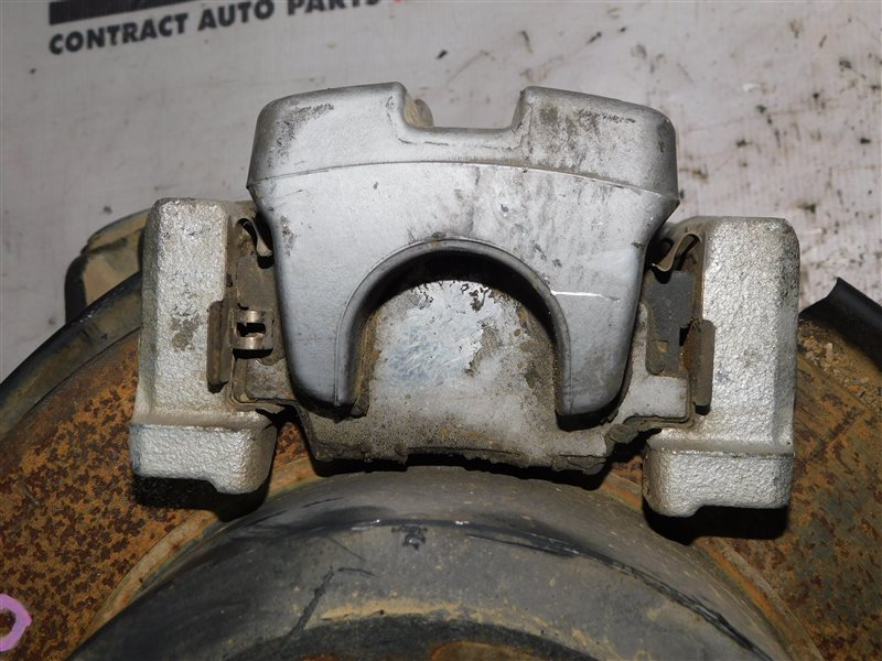 Суппорт Toyota Camry AVV50 задний правый (б/у)