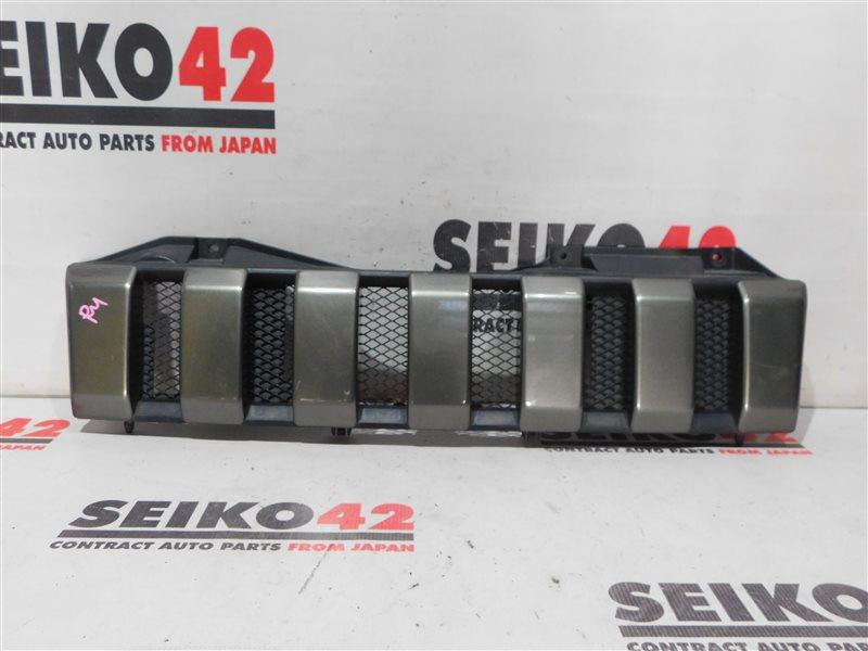 Решетка радиатора Suzuki Jimny JB43W (б/у)