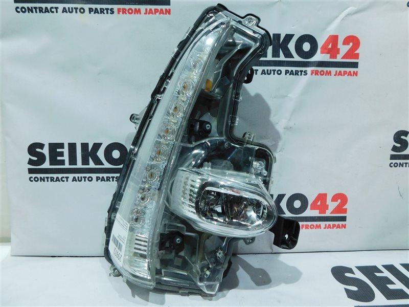 Туманка Toyota Prius ZVW52 передняя правая (б/у)