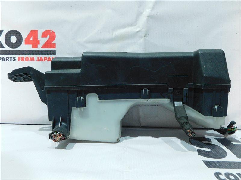 Блок предохранителей Toyota Allex NZE121 (б/у)