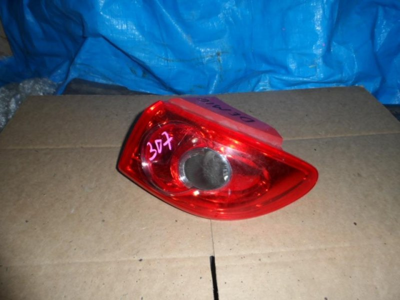 Стоп-сигнал Mazda Demio DY3W 2000 задний правый (б/у)