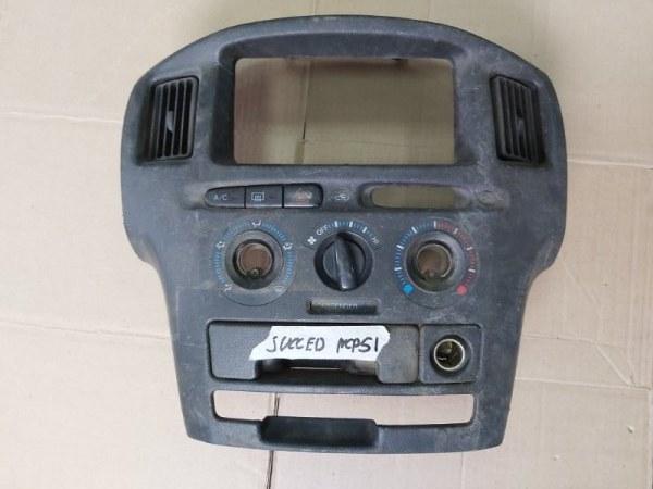 Консоль центральная Toyota Probox NCP51 (б/у)