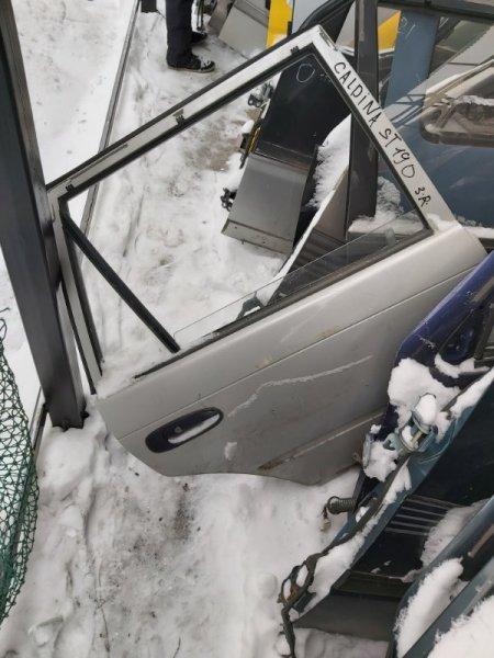 Дверь Toyota Caldina ST190 задняя правая (б/у)
