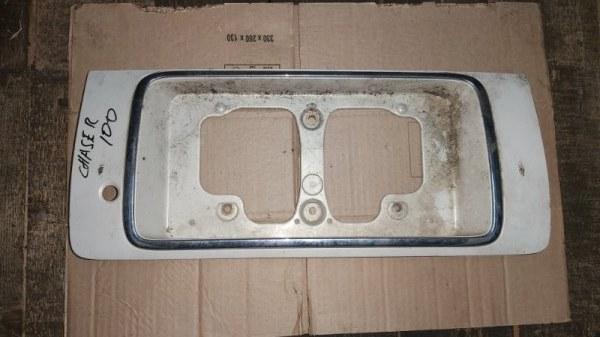 Накладка на багажник Toyota Chaser GX100 задняя (б/у)