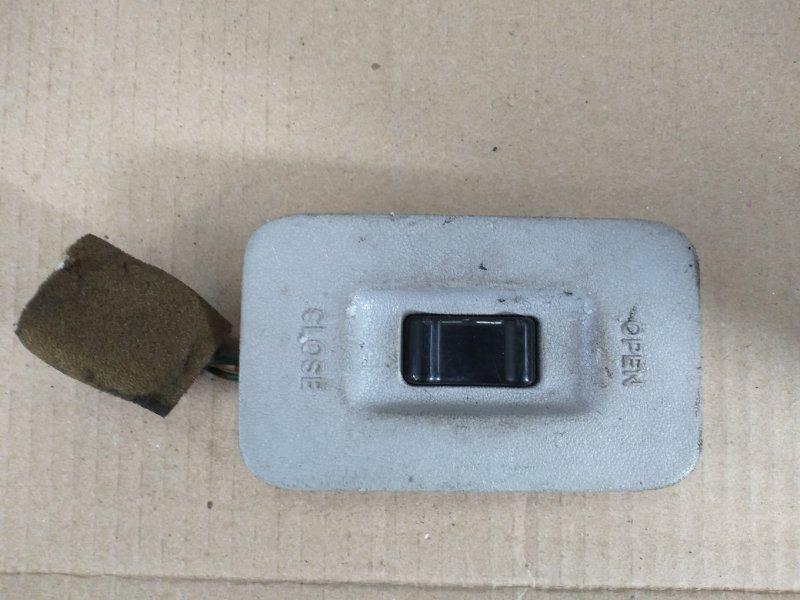 Кнопка люка Toyota Grand Hiace VCH16 (б/у)