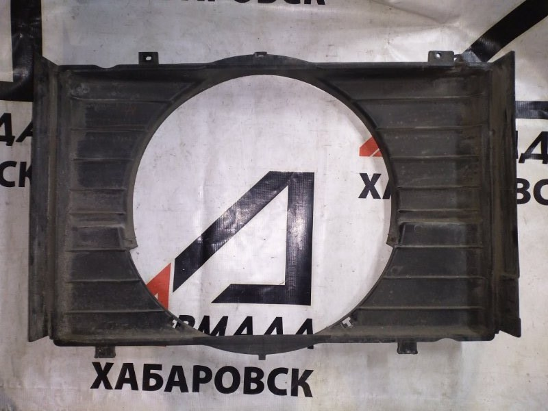 Диффузор радиатора Toyota Town Ace Noah CR52 3C (б/у)