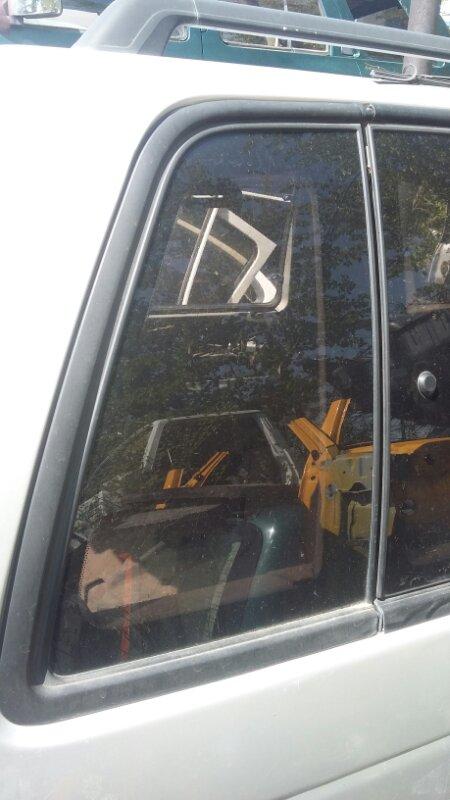 Форточка кузова Mitsubishi Rvr N23W задняя правая (б/у)