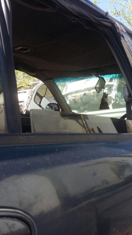 Стекло двери Mitsubishi Libero CB8W заднее правое (б/у)