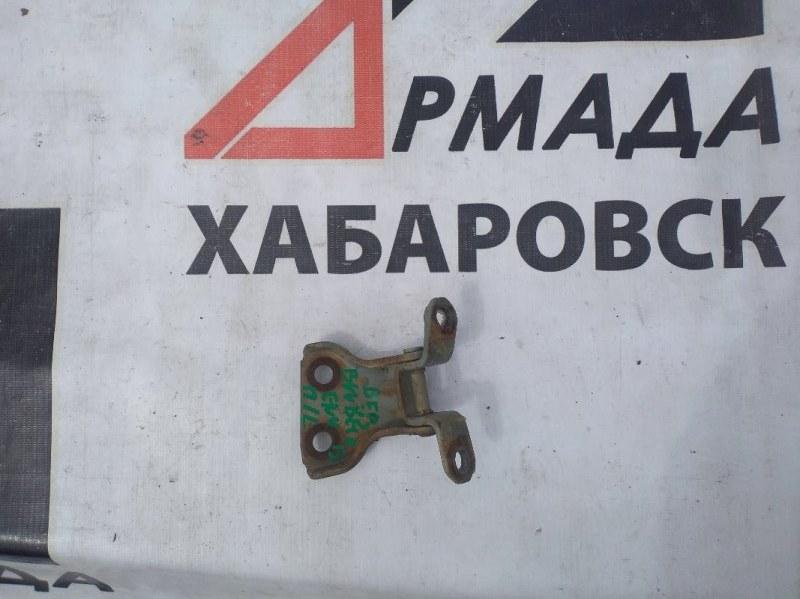 Петли на дверь Nissan Bluebird ENU13 передние левые верхние (б/у)