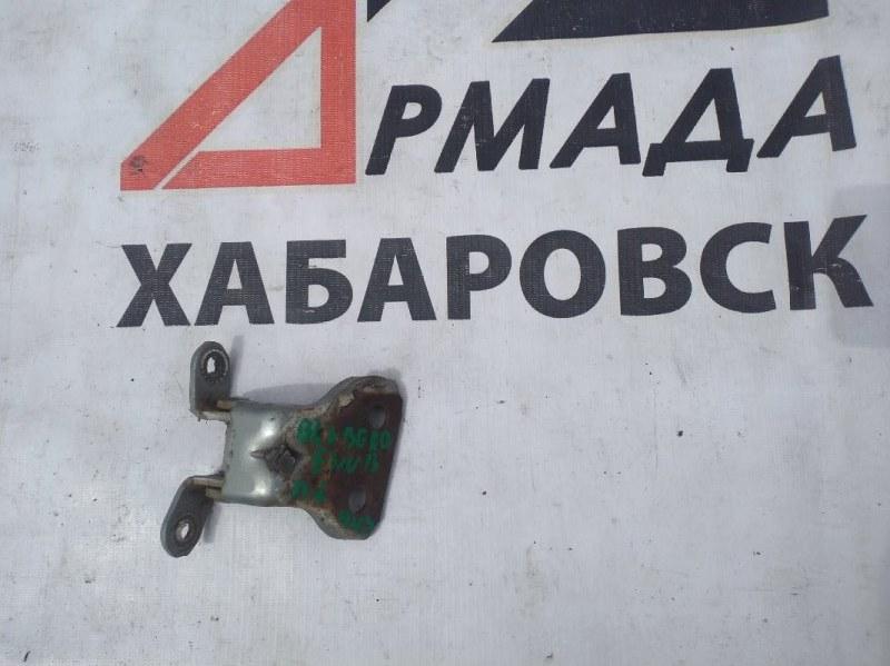 Петли на дверь Nissan Bluebird ENU13 передние левые нижние (б/у)