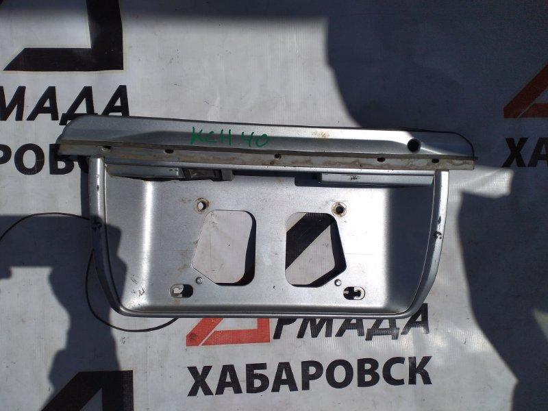 Накладка дверная Toyota Regius KCH40 задняя (б/у)