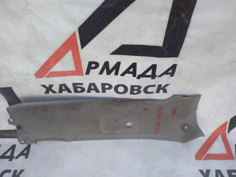 Пластик стойки Toyota Duna BU202 задний правый (б/у)
