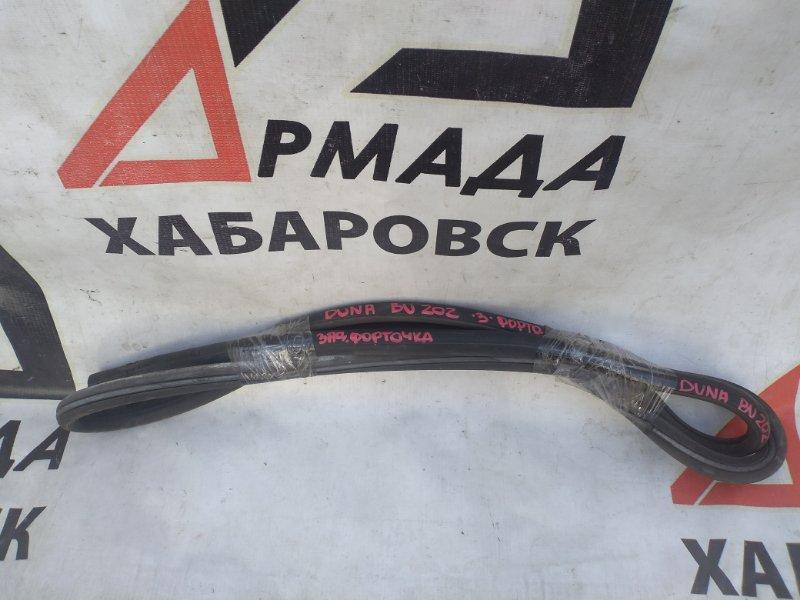 Уплотнительная резинка стекла Toyota Duna BU202 задняя (б/у)