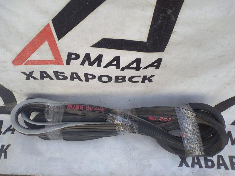 Уплотнительная резинка лобового стекла Toyota Duna BU202 (б/у)