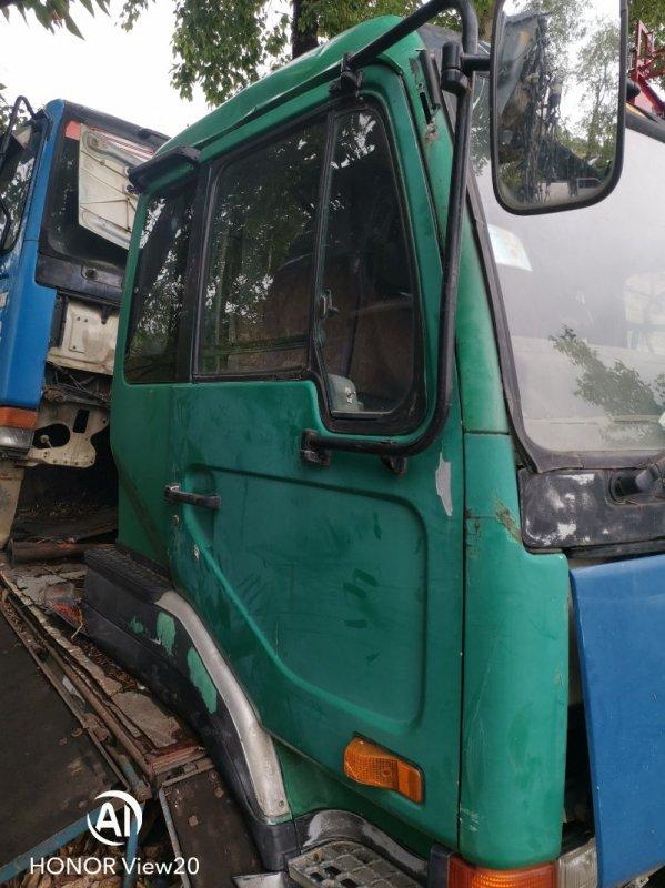 Дверь Nissan Ud CV450 правая (б/у)