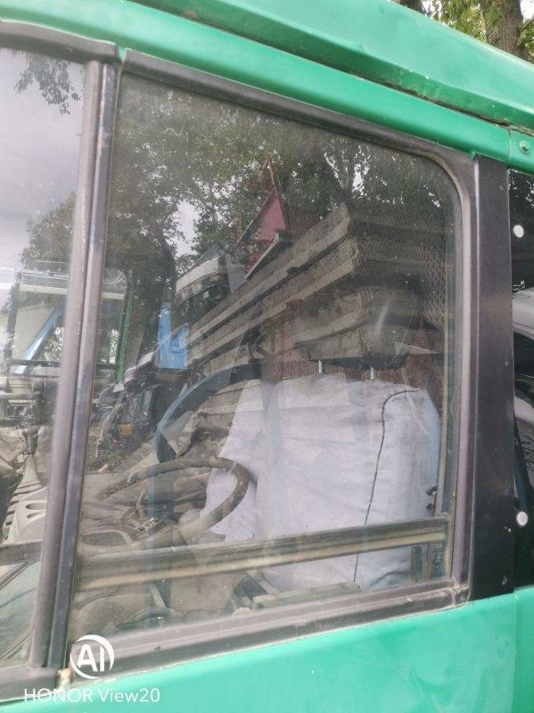 Стекло двери Nissan Ud CV450 левое (б/у)