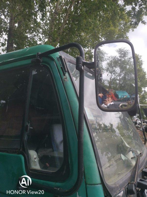 Стойка зеркала Nissan Ud CV450 левая (б/у)