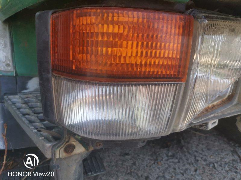 Поворотник Nissan Ud CV450 правый (б/у)