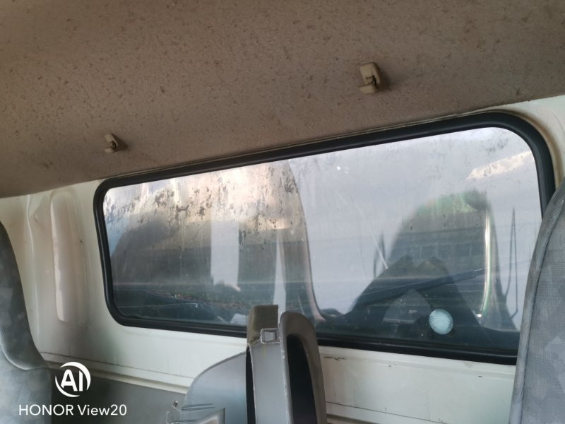 Уплотнитель стекла Hino Dutro XZU412 задний (б/у)