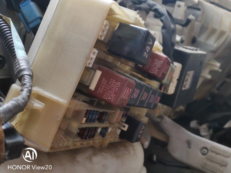 Блок предохранителей Hino Dutro XZU412 (б/у)