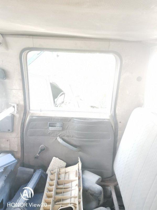 Ручка двери внутренняя Isuzu Elf NHR55 4JB1 задняя правая (б/у)
