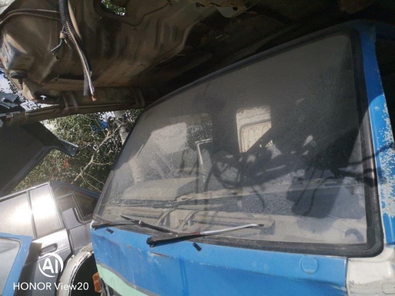 Уплотнительная резинка стекла Isuzu Elf NHR55 4JB1 (б/у)