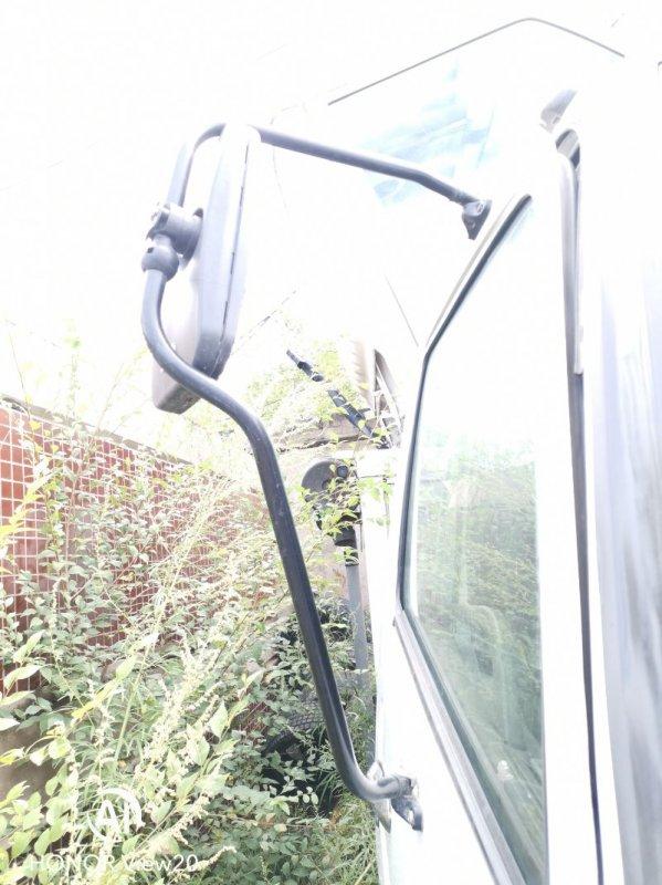 Стойка зеркала Miitsubishi Fuso FK71 6M61 правая (б/у)