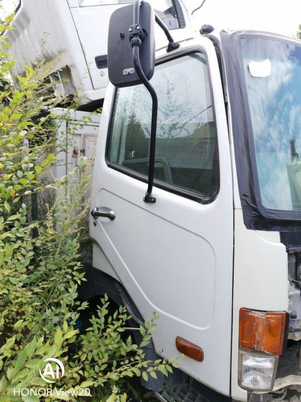 Уплотнительная резинка на стекло двери Miitsubishi Fuso FK71 6M61 правая (б/у)