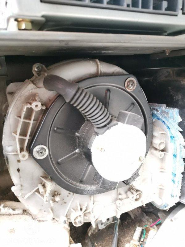 Моторчик печки Miitsubishi Fuso FK71 6M61 (б/у)