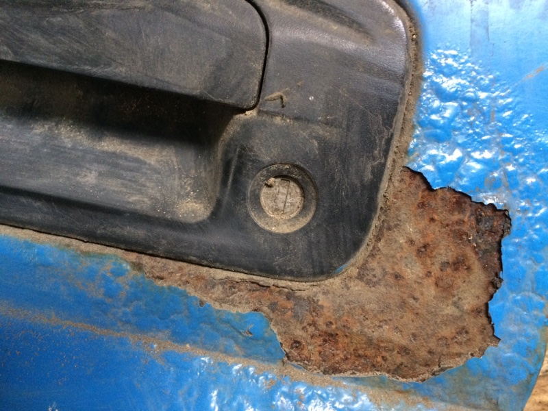 Личинка замка Mazda Titan SYF6T передняя левая (б/у)