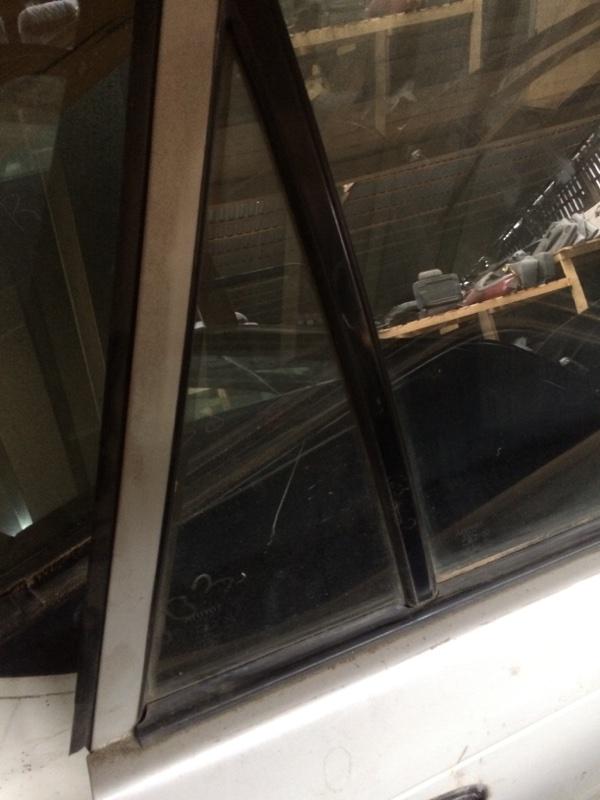 Форточка двери Toyota Corolla AE101 задняя правая (б/у)