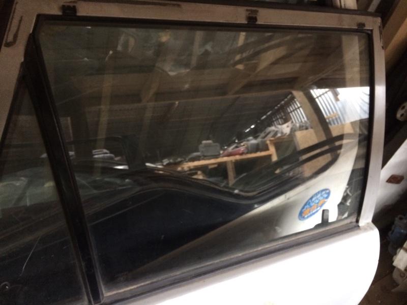 Стекло двери Toyota Corolla AE101 заднее правое (б/у)