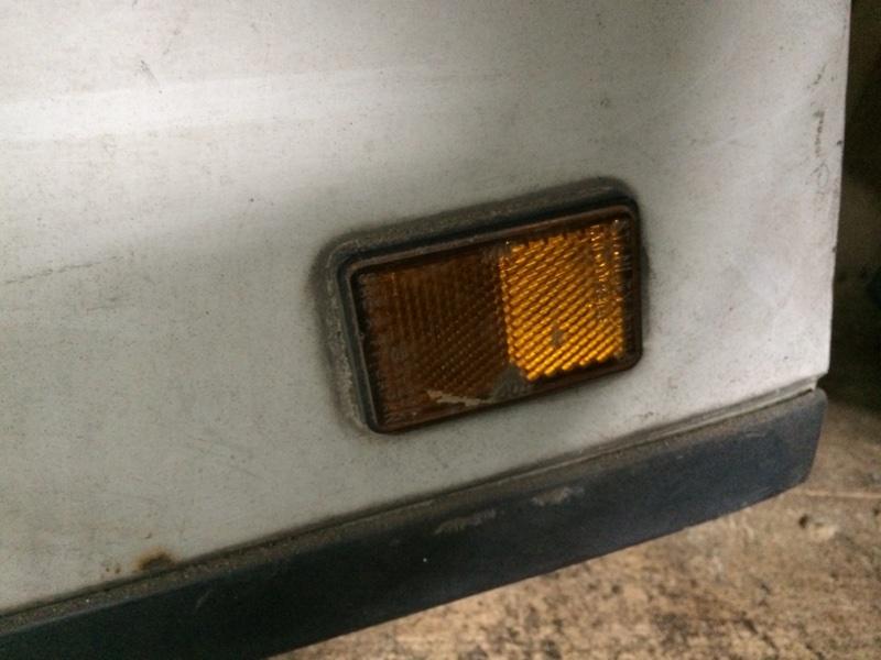 Поворотник в дверь Mazda Titan SYF6T передний правый (б/у)