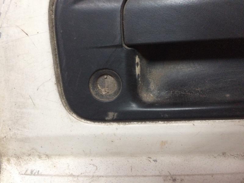 Личинка замка Mazda Titan SYF6T передняя правая (б/у)